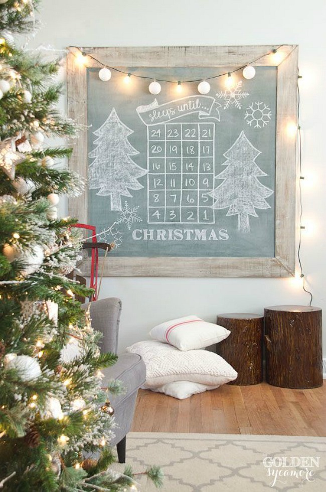 Awesome Christmas advent ideas including countdowns, treat holders, and activity advents!
