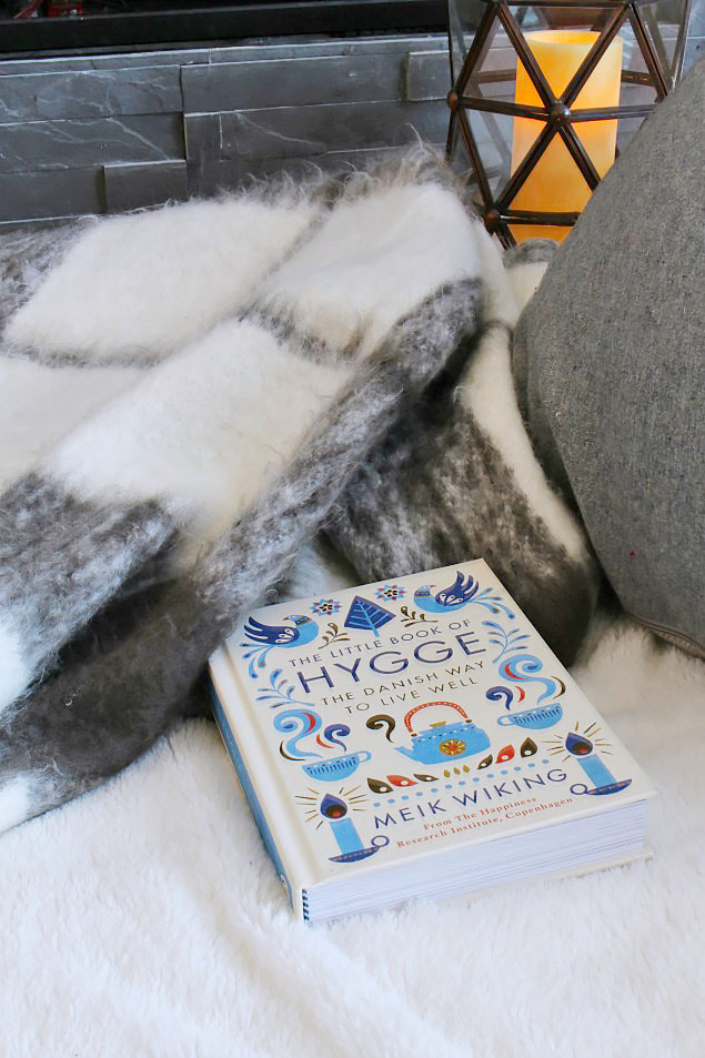 Awesome Christmas gift guides to add some hygge to your winter! I'd love all of these!!