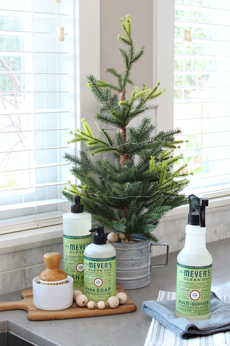 How to get your home smelling like Christmas. This Mrs. Meyers Iowa Pine is one of my favorite Christmas scents. Get your free gift offer now!