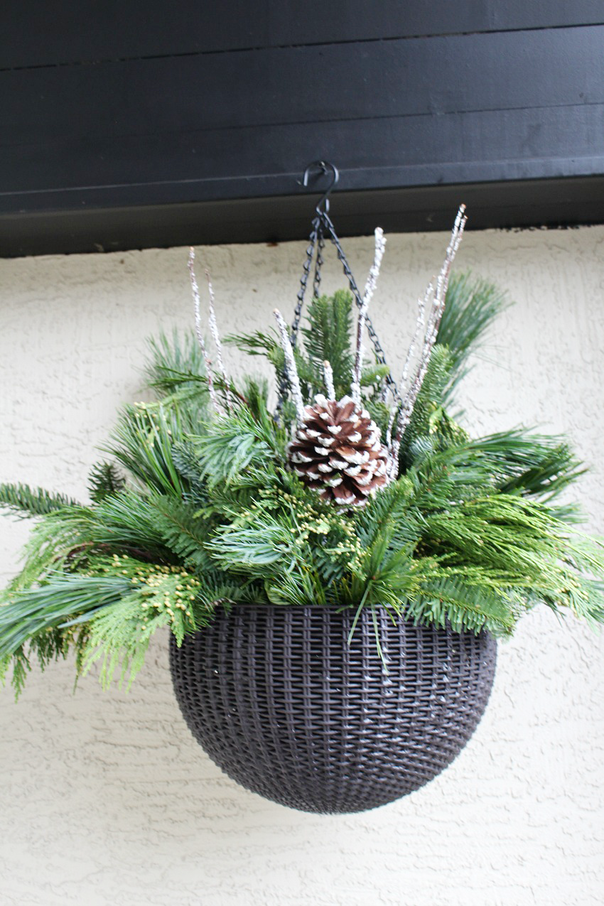 DIY Hanging Christmas Baskets