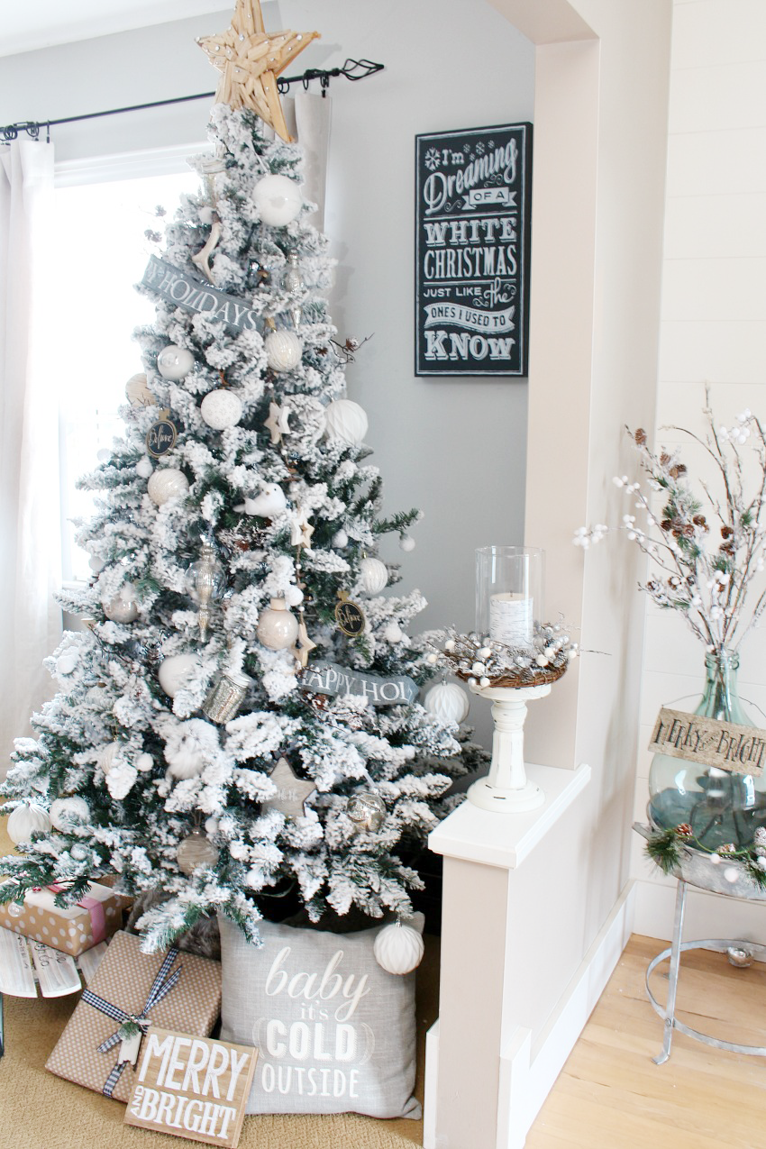 beautiful farmhouse christmas dining room with a snowy winter wonderland feel decorated in white - Winter Wonderland Christmas Decorations