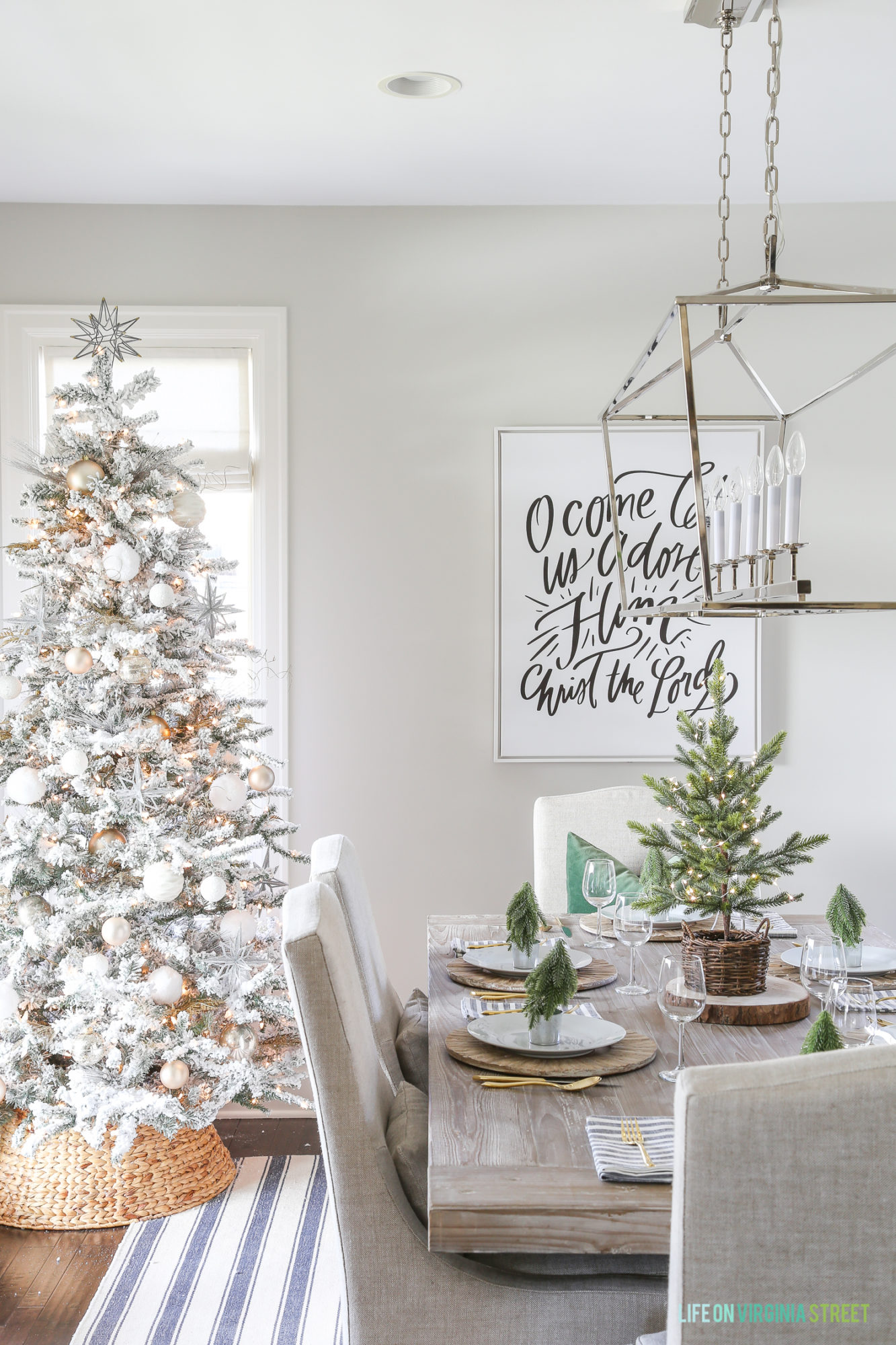 Farmhouse Dining Room Christmas Decorations - Clean and Scentsible