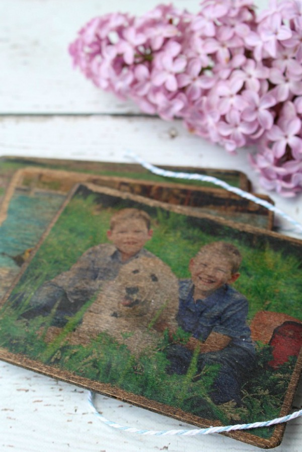 Vintage looking DIY photo wood coasters.