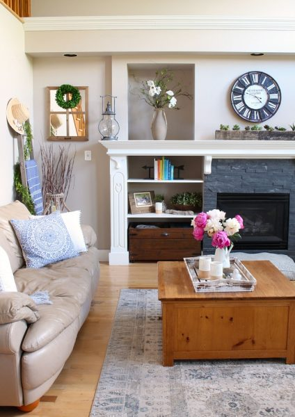 12 Picturesque Small Living Room Design: Modern Farmhouse Summer Living Room Decorating Ideas