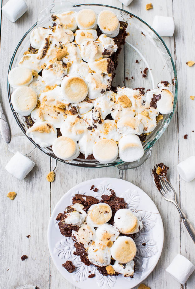 S'mores brownie recipe served on a plate.