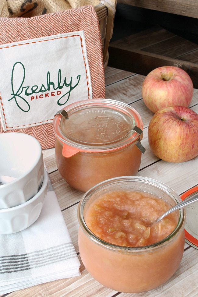Homemade sugar free apple sauce in a Weck jars.