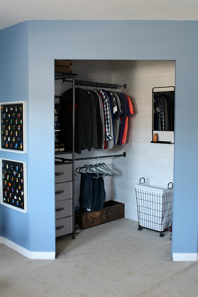 Closet Organizer System Organized Clothes In A Age Boys Bedroom With The