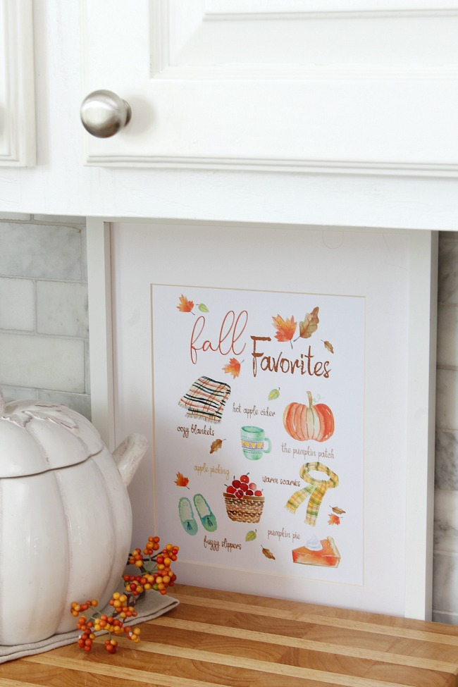 Framed fall favorites free fall printable.