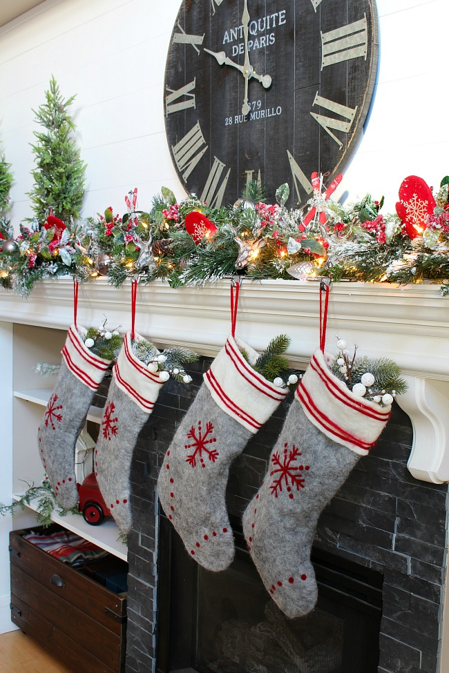 Christmas Mantel Ideas.How To Decorate A Christmas Mantel Clean And Scentsible