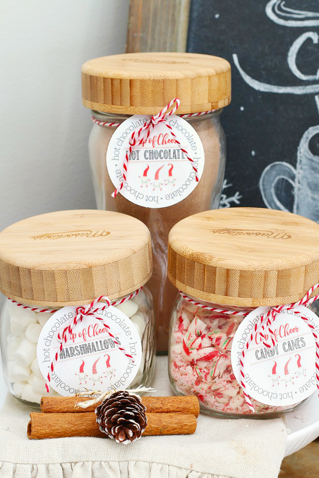 Hot chocolate bar using mason jars and free printable hot chocolate bar labels.