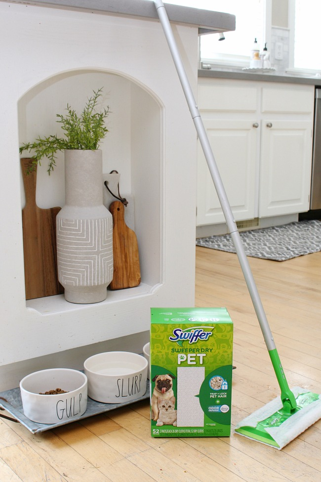 Swiffer sweeper and Swiffer dry refills.