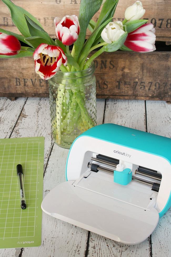 Cricut Joy smart cutter and tools.