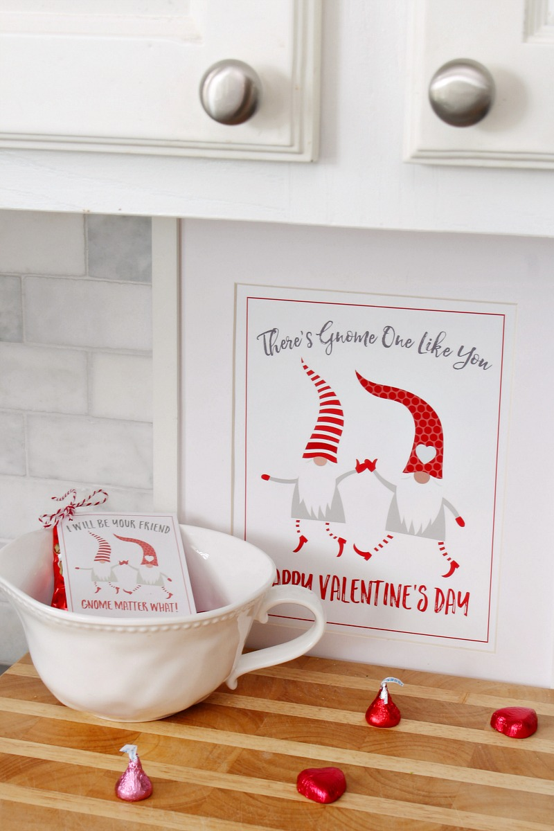 Valentine's Day gnome printable in frame.