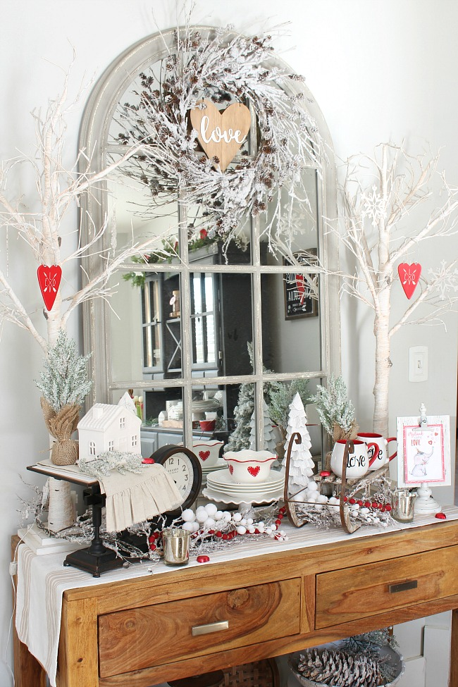 Valentine's Day vignette and home decor ideas.