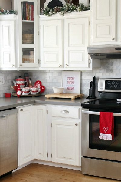 White kitchen with Valentine's Day home decor ideas.