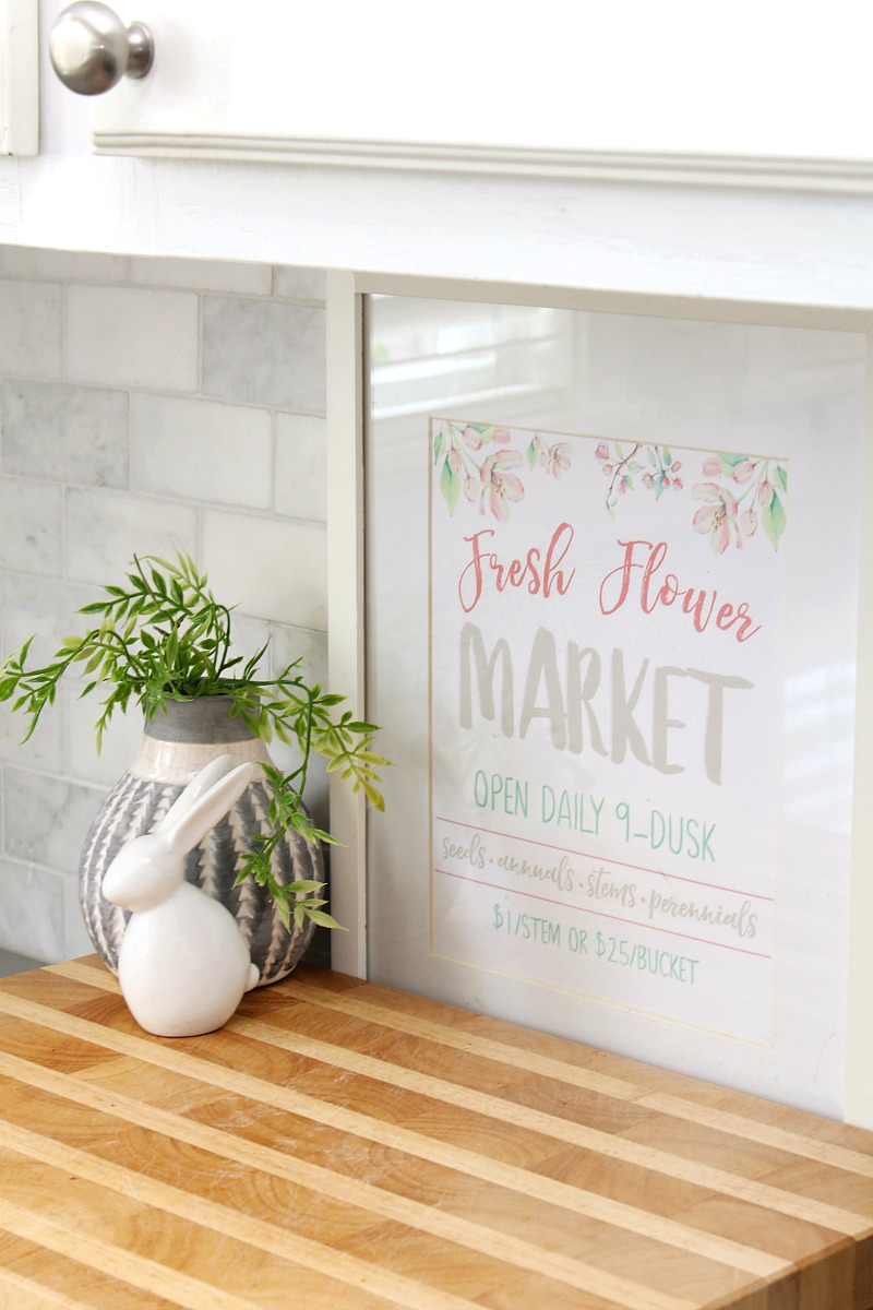 Fresh Flower Market free printable used for spring kitchen decor.