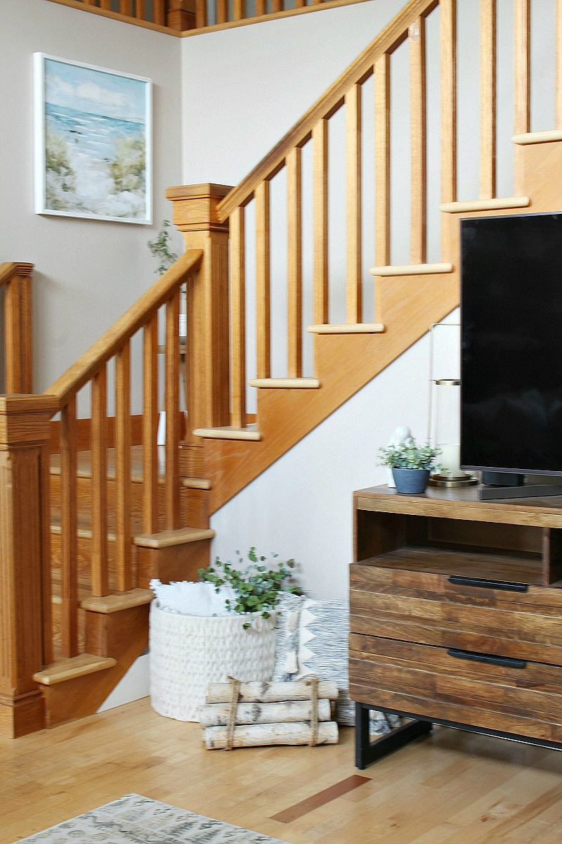 Staircase is spring living room.
