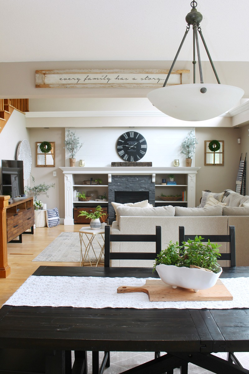 Farmhouse style family room decorated for summer.
