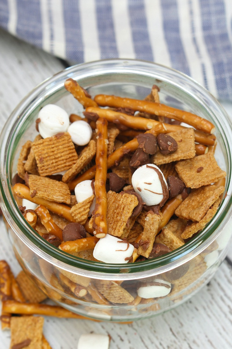 S'more trail mix in a Weck jar.
