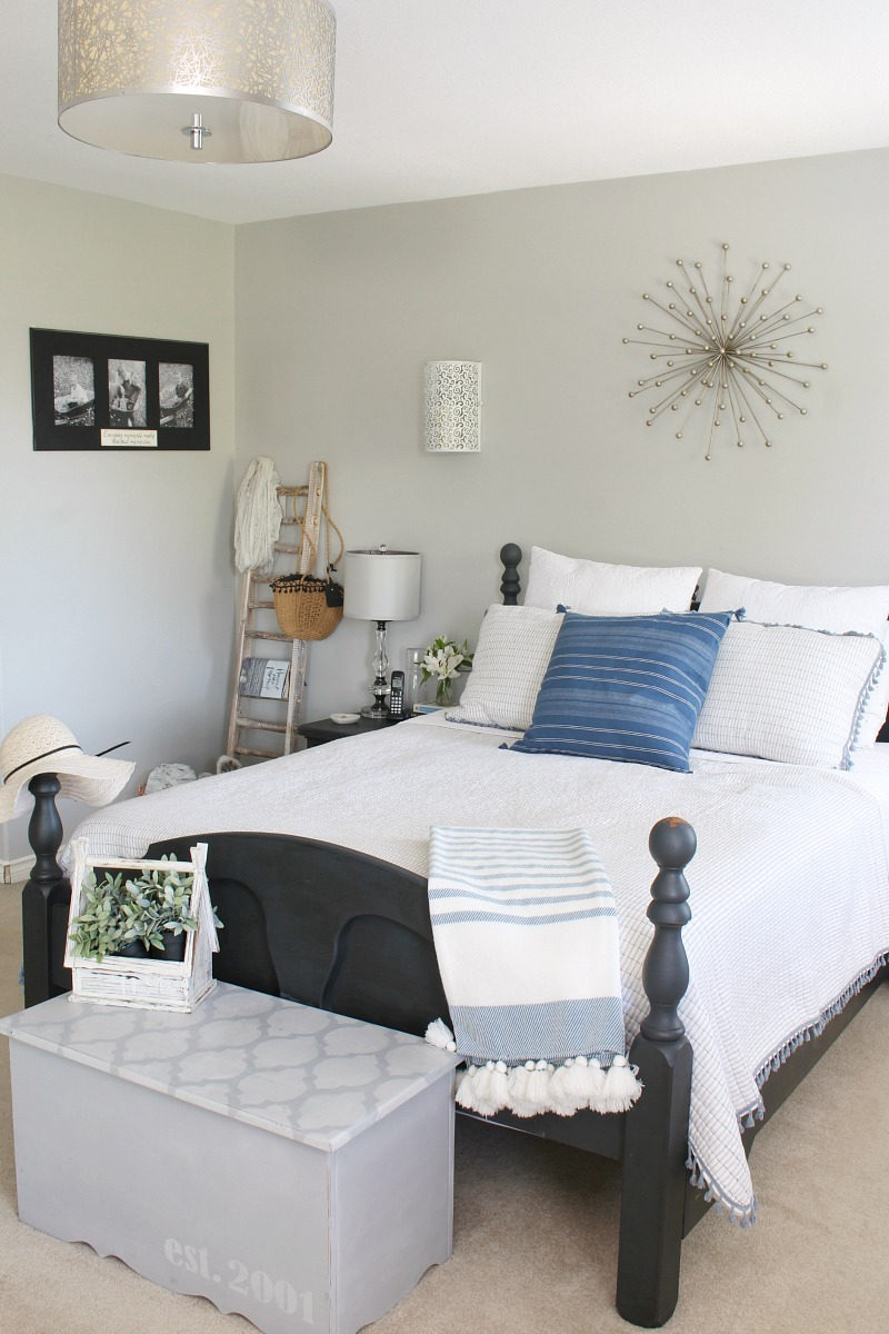 Beautiful summer bedroom ideas. Easy ways to create a relaxing bedroom retreat.