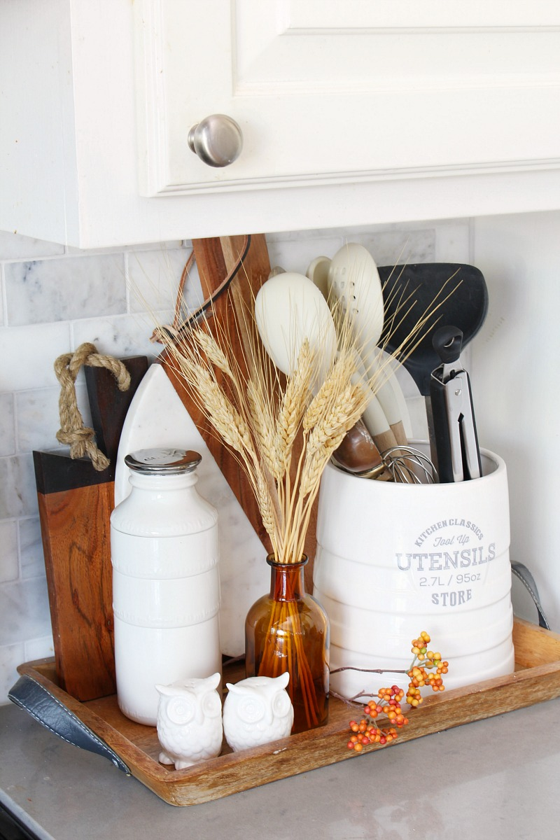 Simple kitchen utensil tray with a little touch of fall.