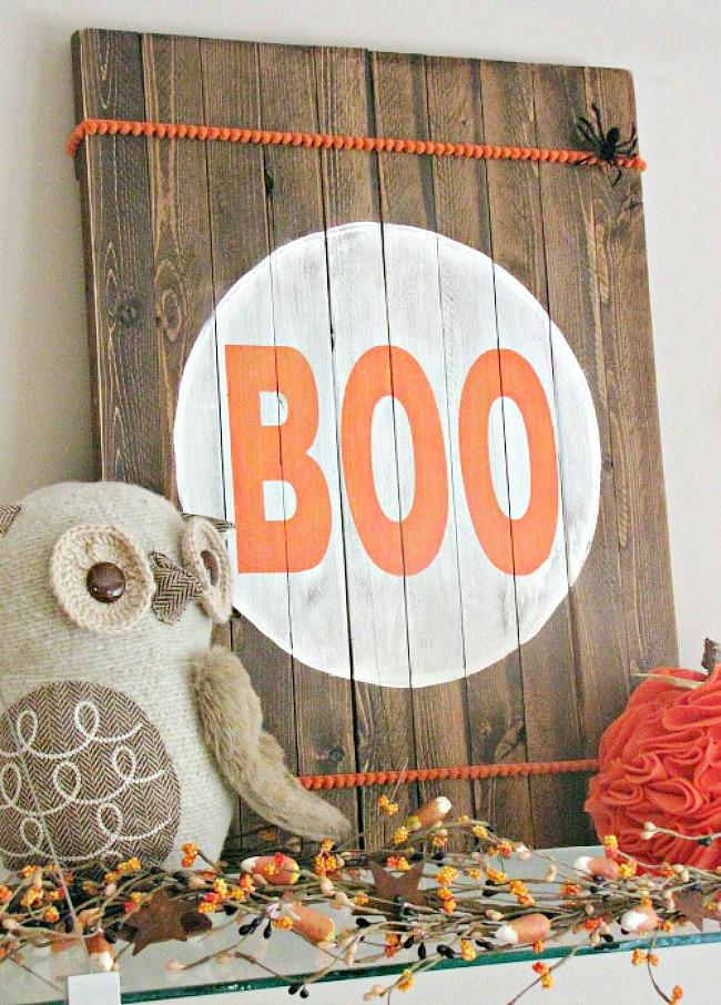 Rustic wood Halloween Boo sign.