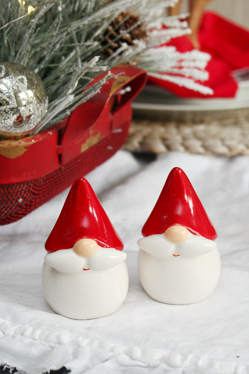Christmas gnomes salt and pepper shakers.