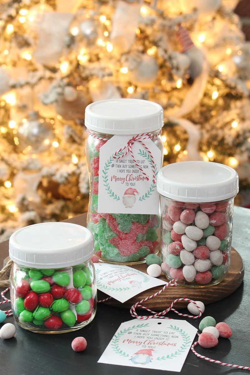 Christmas candy and gift card jars with free printable Christmas gift tags.