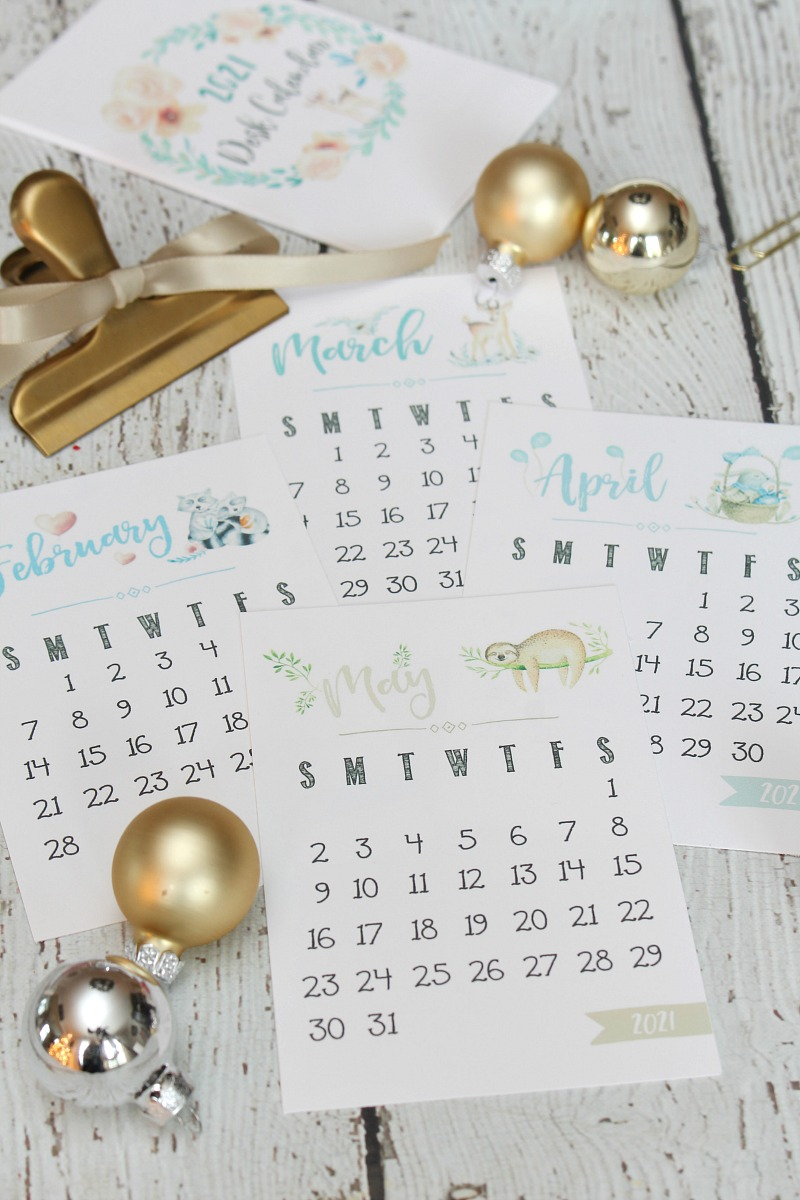Free printable 2021 desk calendar with pretty watercolor design.