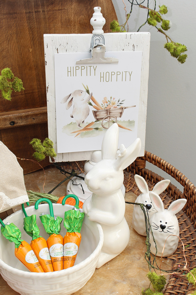 Hippity Hoppity Easter bunny printable displayed in a white clipboard frame.