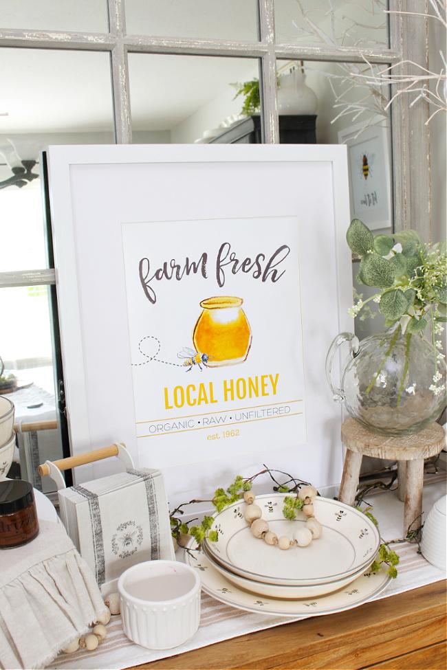 Farm Fresh Local Honey free bee printable and bee decor.