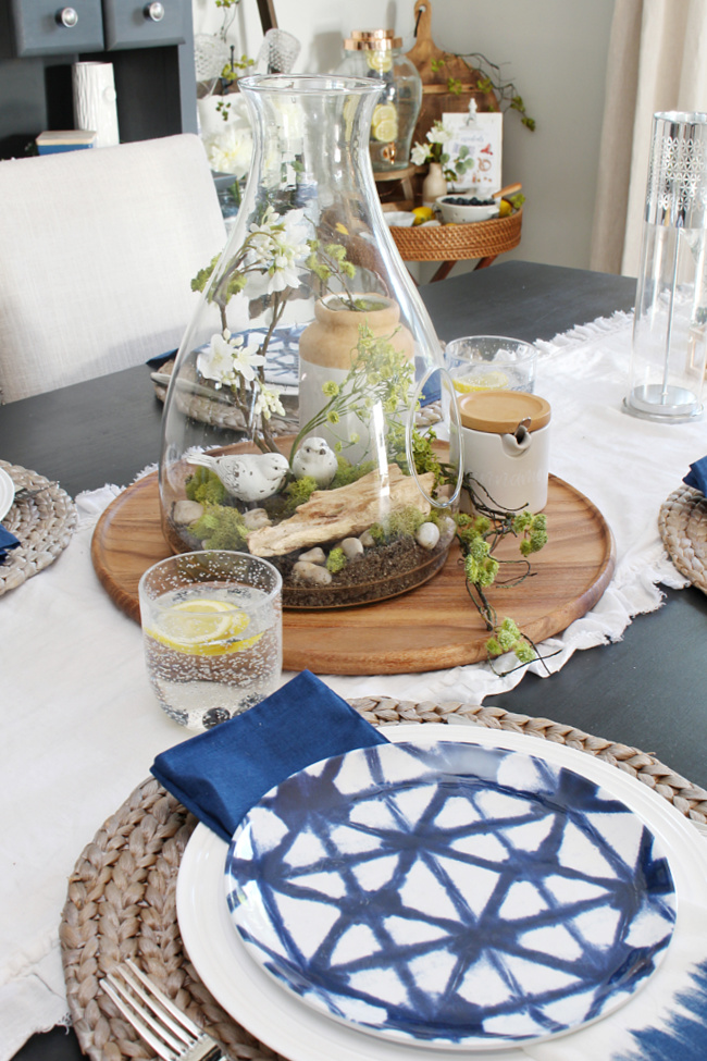 Summer tablescape using blues and greens.