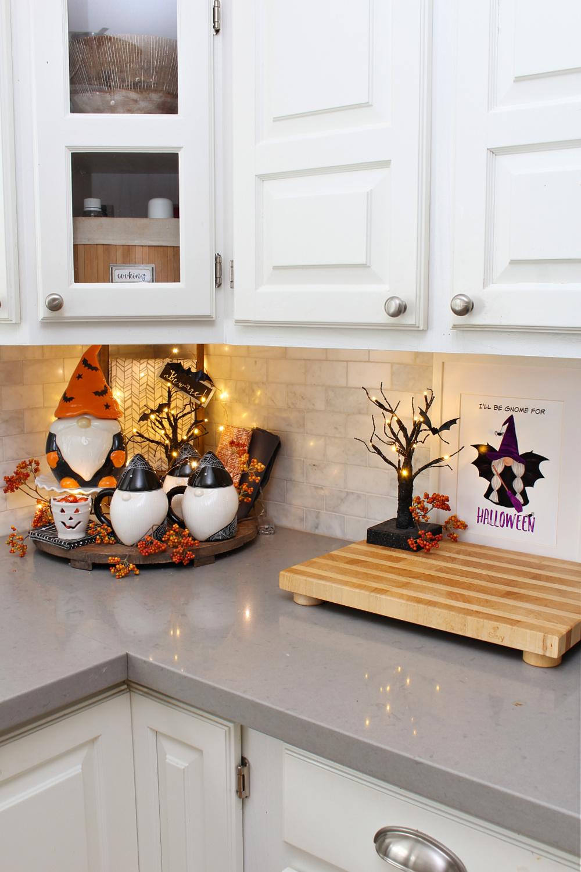 Fun Halloween gnome display with free Halloween gnome printables.