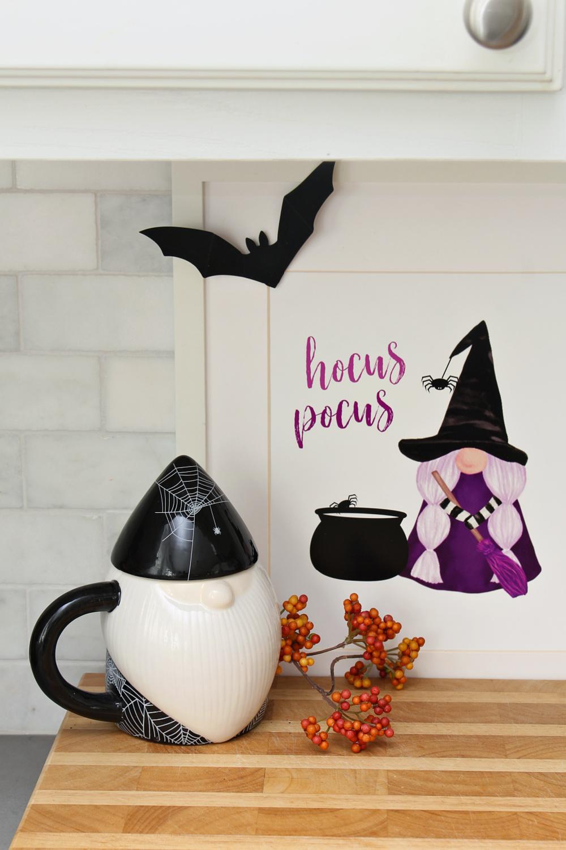 Halloween gnome decor with a free Hocus Pocus Halloween gnome printable.